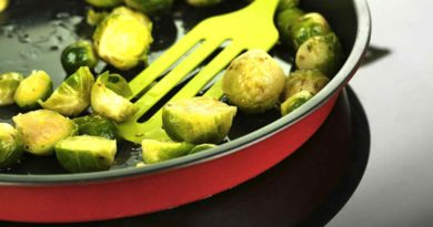Brussel-sprouts-on-the-pan
